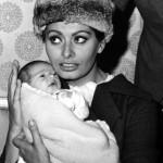 Sophia Loren e il piccolo CP (1963)