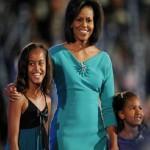 Michelle Obama e le figlie (2008)